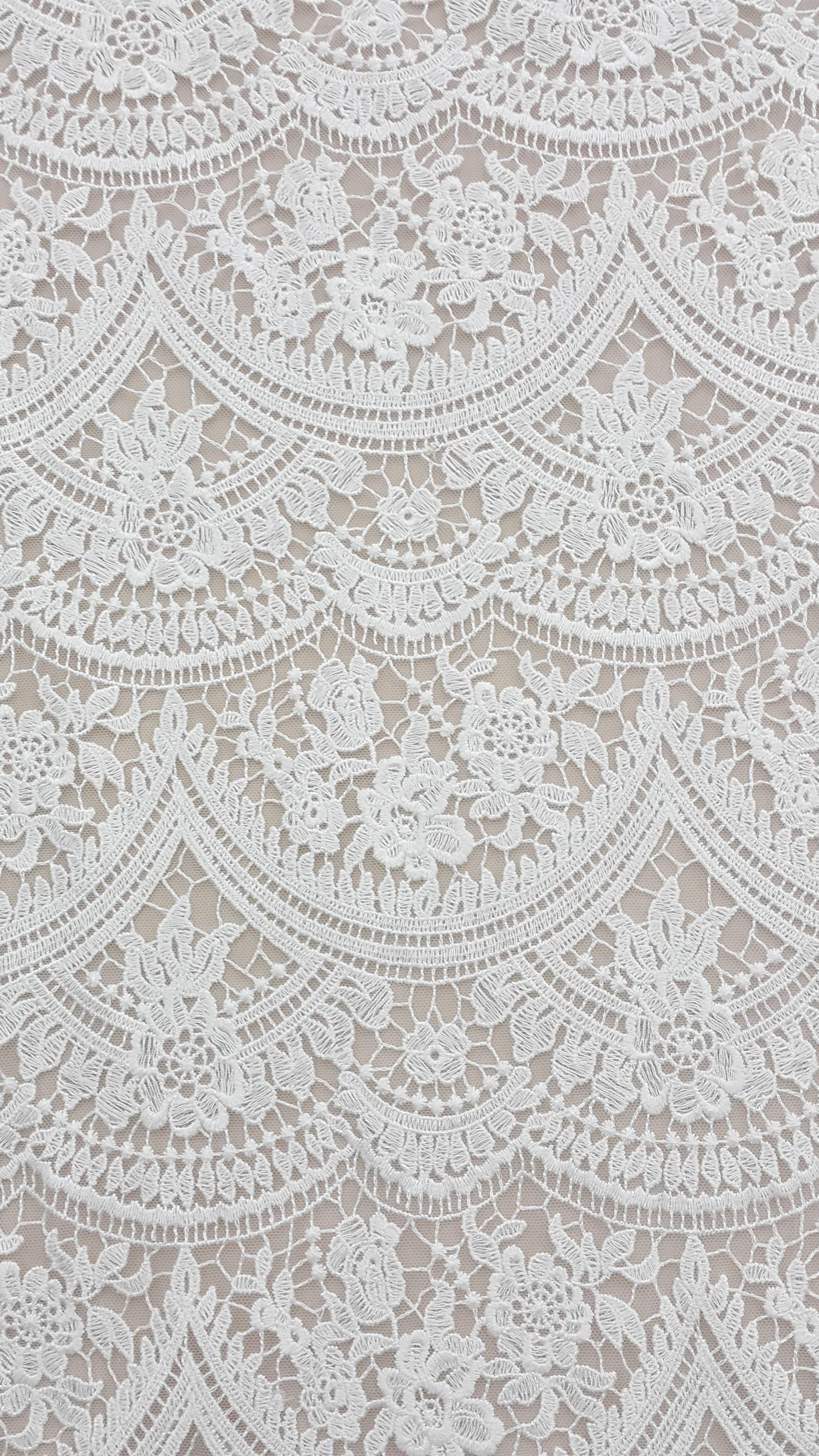 Scalloped & Geometric Laces Grace