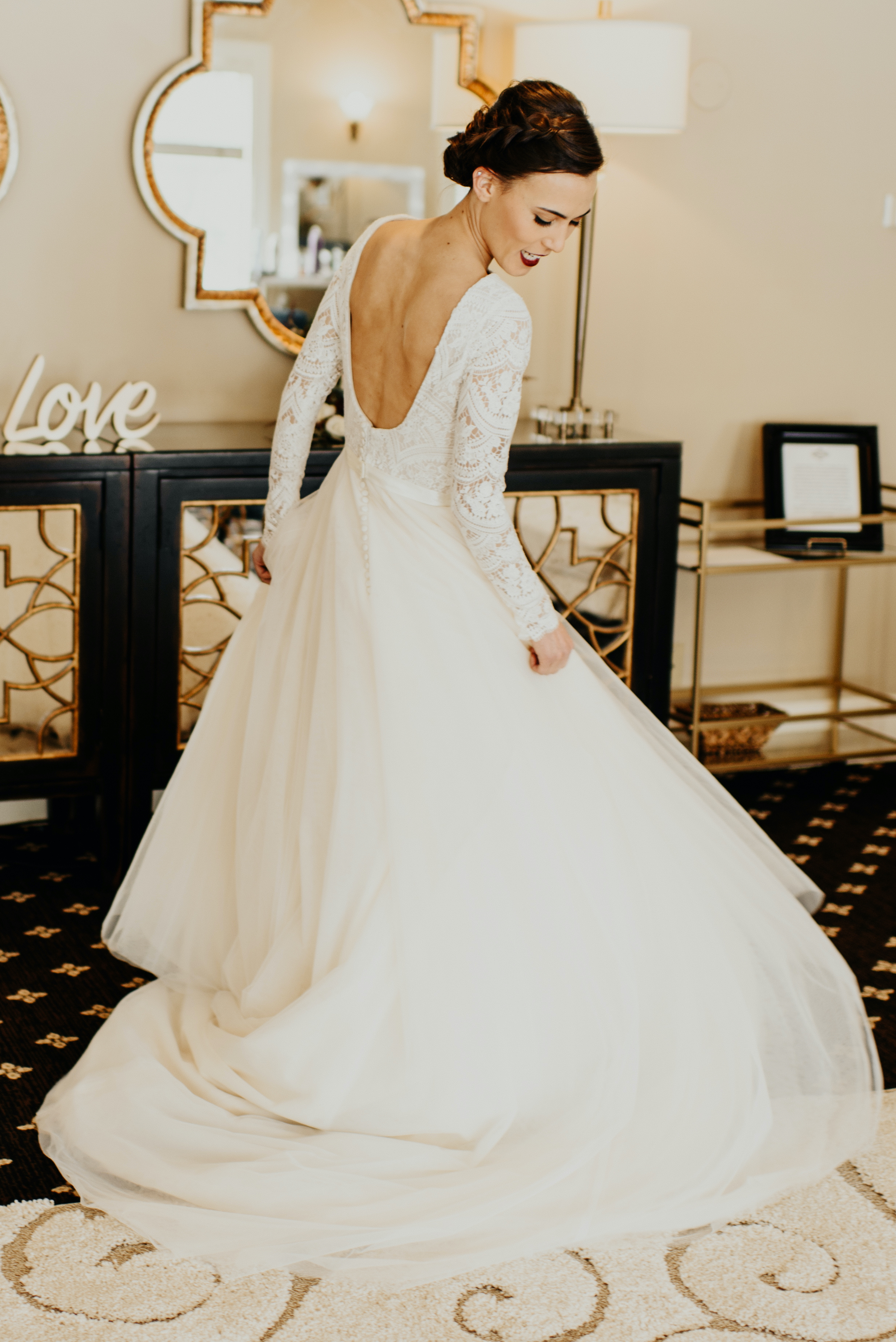Our 20 Favorite Long Sleeve Wedding Dresses – Anomalie Unboxed Wedding Blog