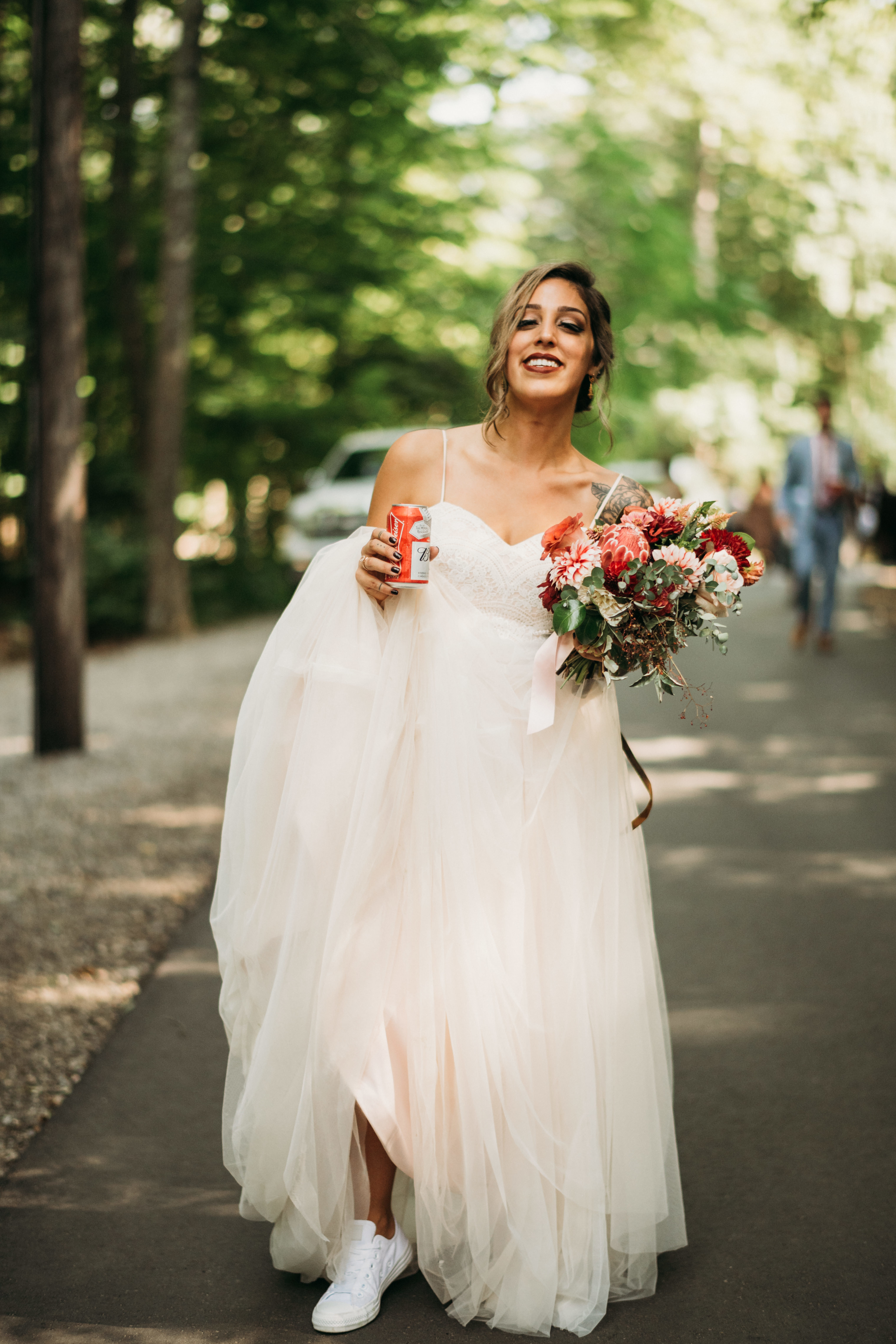 This bride designed a detachable sleeve wedding dress online with Anomalie.